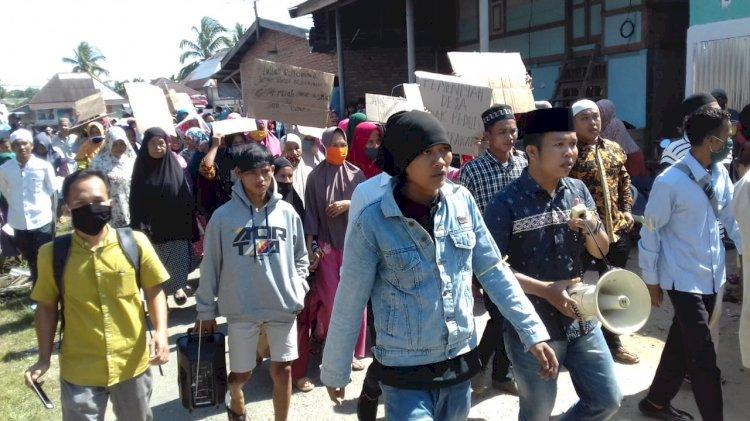 Warga Desa Bedaro, Bungo-Jambi Demo: Kenapa Hanya 21 Orang Terima BLT?
