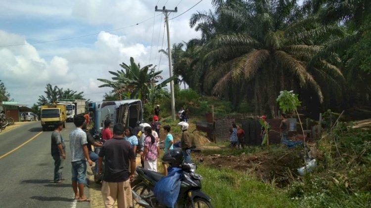 Bus Terguling di Muarojambi, Puluhan Penumpang Dilarikan ke Rumah Sakit