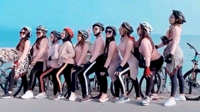 Viral Sekelompok Pesepeda Berbaju Seksi Pink di Banda Aceh, Begini Kata Walikota
