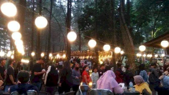 Parah! Rela Berdesakan Sekedar Nongkrong di Wisata Kuliner Bogor di Tengah Covid-19