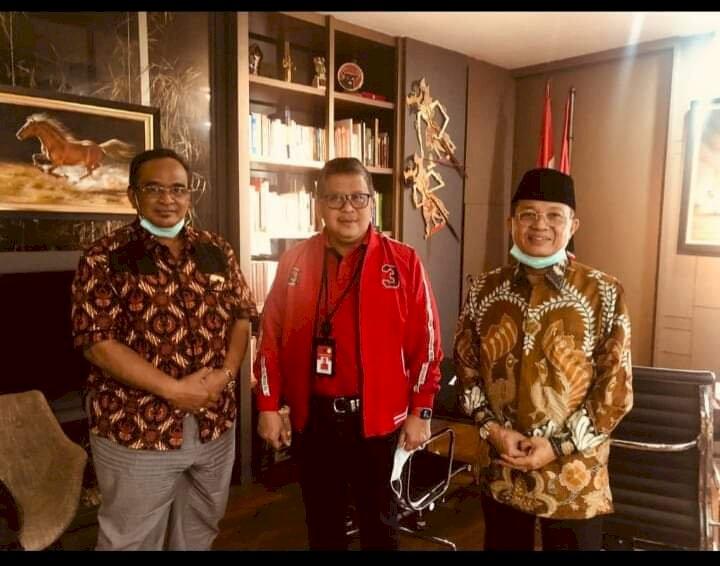 Pasca Penundaan Rekomendasi Foto Sekjen PDIP Hasto Bersama Fachrori Beredar, Edi Bilang Begini