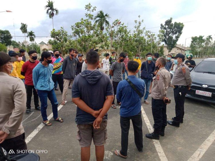 Resahkan Warga, Aksi Balap Liar di Kantor Bupati Muarojambi Dibubarkan Polisi