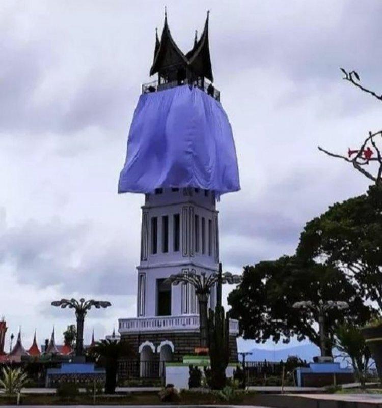Viral Jam Gadang Ditutup Kain Besar, Tifatul Sembiring: Jam Gadang Bukittinggi Pakai Masker...?
