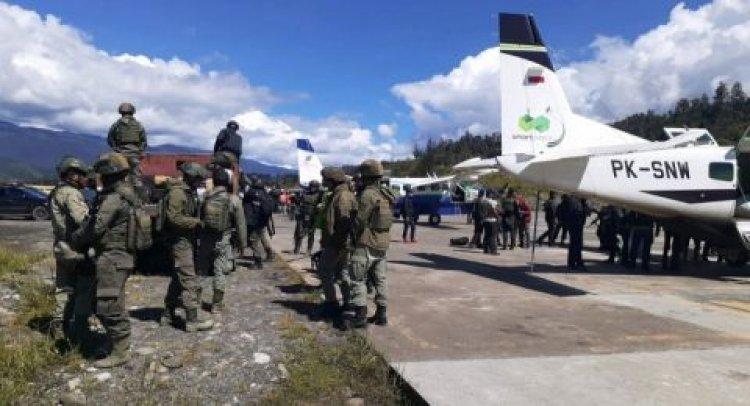 Kirim Pasukan Bersenjata ke Papua TNI dan Polri Berburu Kelompok Teroris di Papua