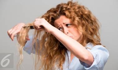 3 Panduan Mudah Potong Poni Rambut Sendiri di Rumah