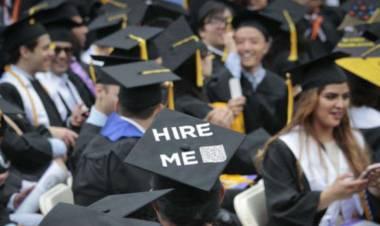 Kamu Fresh Graduate? Inilah Tips Keren untuk Memulai Karir
