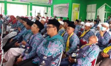 Dini Hari Nanti Jamaah Haji Asal Jambi Kloter 20 Tiba di Bandara Sultan Thaha Jambi