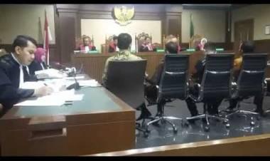 LIVE SIANG : Setelah Makan Siang, Lanjutan Sidang Zumi Zola  20/09/2018