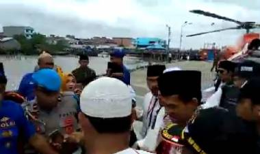 Puluhan Relawan Non Muslim Sambut Kedatangan UAS di Tanjab Barat Jambi