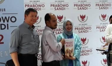 Prabowo Luncurkan Buku Paradoks Indonesia Braile untuk Tunanetra