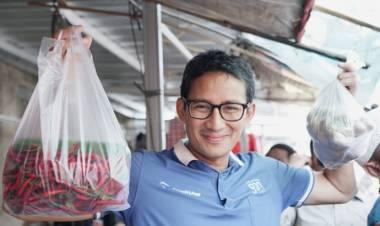 Heboh Belanja Jengkol, Sandiaga ke Pasar Stan Tajem Maguwoharjo Sleman