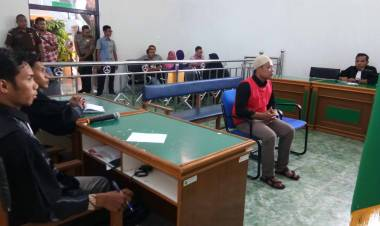 Derai Tangis Ketika Hakim Riau Vonis Mati Tiga Pengedar 55 Kilogram Sabu-Sabu
