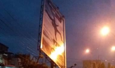 Hujan dan Angin Kencang Landa Merangin, Billboard Nyaris Roboh