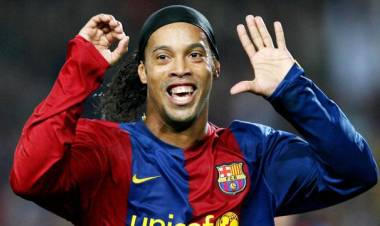 PANAS, Gubernur Sumsel Bantah Larang Ronaldinho Main di Jakabaring