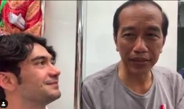 Antusiasnya Reza Rahardian Bareng Jokowi Naik MRT dan Ini Pesannya