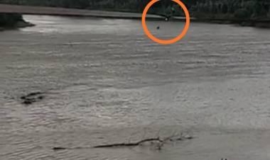 Ini Video Detik-detik Warga Bungo Jatuh dari Jembatan Gantung ke Sungai