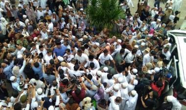 Begini Momen Prabowo Shalat Jumat dan Sujud Syukur di Masjid Al Azhar