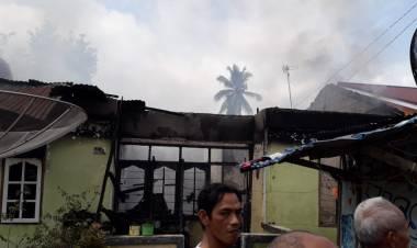 Rumah Warga Payo Selincah Jambi Habis Terbakar