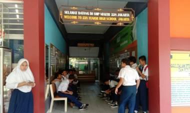 Siswa SMP 228 Keluhkan Sulitnya Soal UNBK Matematika