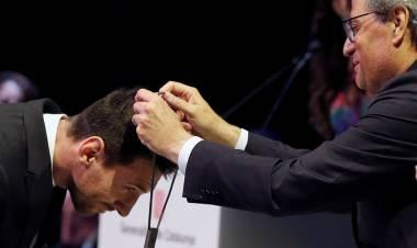 "Messi Dianugerahi Penghargaan ""Creu De Sant Jordi"""