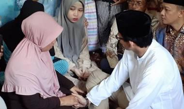 Takziah ke Rumah KPPS yang Meninggal Dunia di Pekanbaru, Begini Perasaan Sandiaga