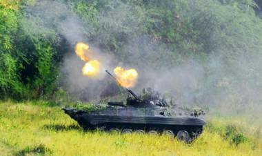 1.000 Marinir Unjuk Kemampuan Tempur di Situbondo