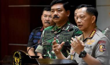 Tito Tunjukkan Senjata Api untuk Aksi 22 Mei