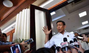 YLBHI Bakal Gugat Tim Asistensi Hukum, Wiranto: Memang Lucu Juga ya