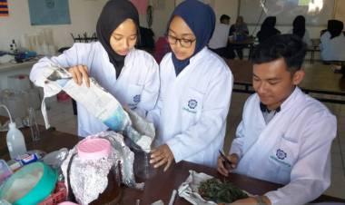 Mahasiswa UMBandung olah Daun Cincau Jadi Kapsul Anti Inflamasi