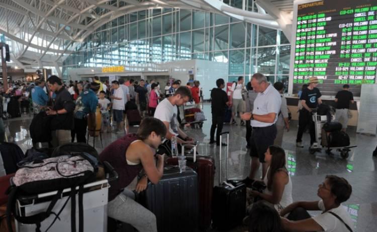 Akibat Erupsi Gunung Agung, 446 Penerbangan di Bandara Ngurah Rai Batal Beroperasi