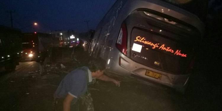 Tabrakan beruntun di Banyuasin, 7 orang tewas dan 4 luka