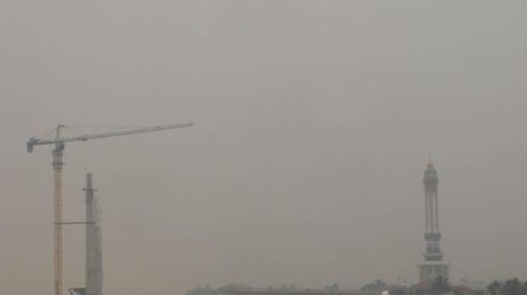 Mata Warga Perih, Kabut Asap Mulai Selimuti Kabupaten Merangin, Jambi