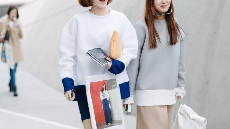 Biar Oppa-Oppa Pada Ngelirik, Intip Inspirasi Style Ngampus dengan Gaya Street Korea Yuk?!