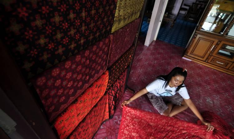 Wahai Perajin Batik Jambi, Simak Ini Pesan Plt Ketua Dekranasda