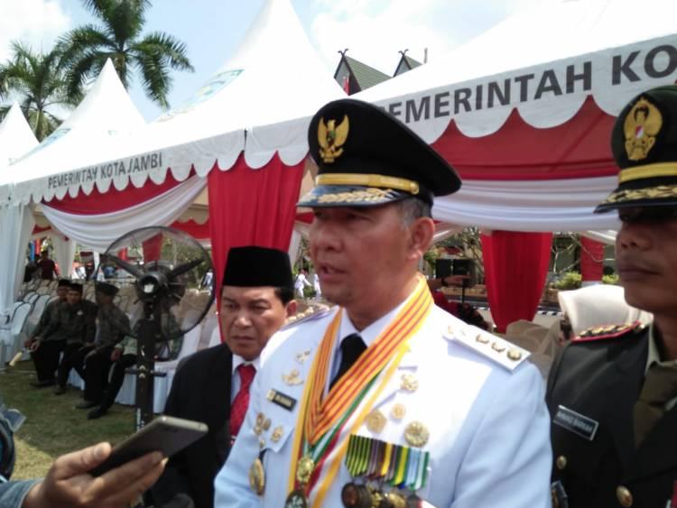 Walikota Fasha Ajak Warga Kota Jambi Ikuti Lomba Panjat Pinang Meriahkan HUT RI