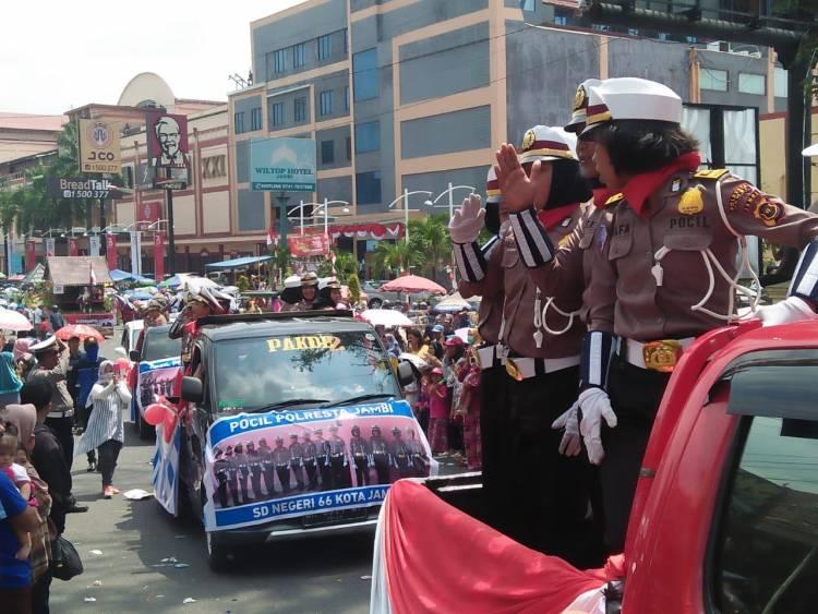 1 Pleton Polisi Cilik Binaan Polresta Jambi Ini Bikin Pengunjung Histeris