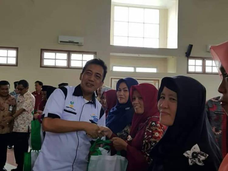 350 Warga dan 10 Siswa Berprestasi Batanghari Terima Bantuan Non Tunai Program PKH