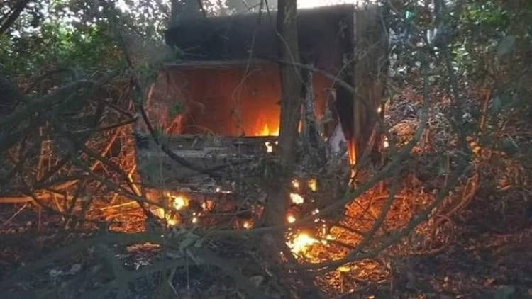 Tabrak Rumah Warga Truk Batubara Dibakar Massa di Batanghari