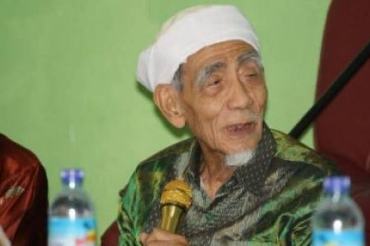 Dikunjungi Prabowo, Mbah Mun: Nanti Allah SWT yang Menentukan