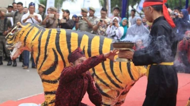 Tari Ngagah Harimau dan Kenduri Sko Ditetapkan Sebagai Warisan Budaya Indonesia