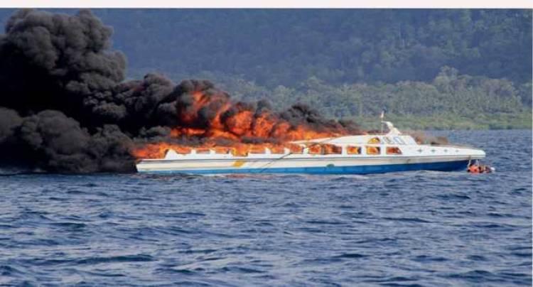 Sembilan Penumpang Kapal Cepat di Riau Terbakar