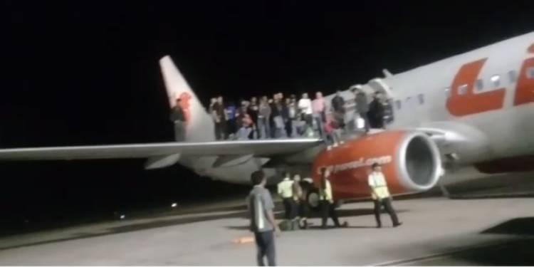 Masih Ingat Penumpang Pesawat Bercanda Bawa Bom? Dia Divonis 5 Bulan Penjara