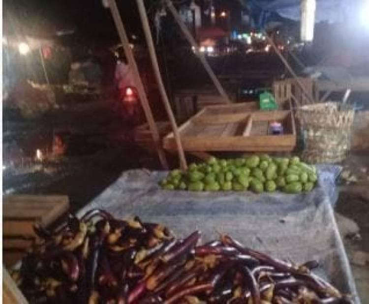 Relokasi Gagal Lagi, Pedagang Tolak Pindah ke Pasar Angsoduo Baru