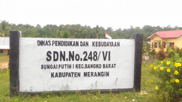 Wali Murid Minta Kepala Sekolah yang Ajak Siswanya Nonton Bokef Dipecat