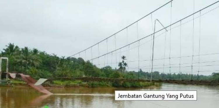 Jembatan Gantung Dusun Teluk Pandak Bungo Putus
