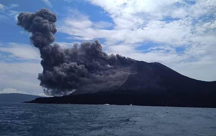 Sehari Gunung Anak Krakatau Alami 407 Kegempaan Letusan