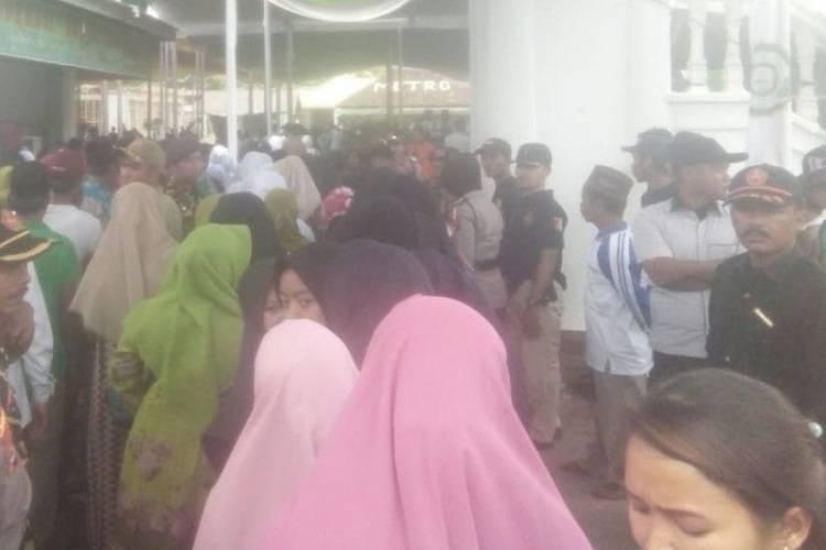 Ribuan Santri Darusalamah Gembira Kedatangan Presiden Jokowi
