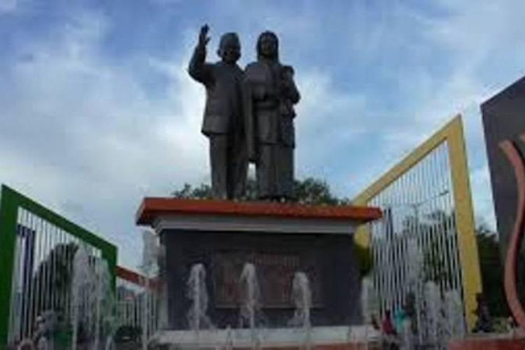 Simbol Putra Daerah Sukses, Patung Habibie & Meter akan Dipajang di Bandara Djalaluddin