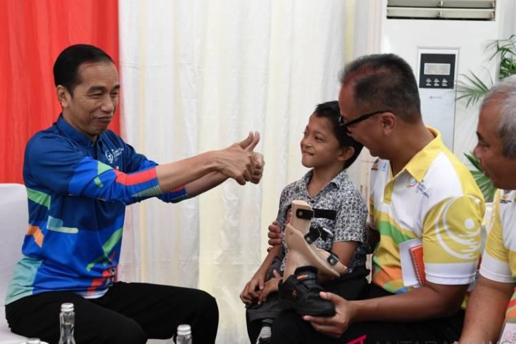 Bocah Difabel Ini Bercita-Cita Jadi Damkar, Jokowi Kasih Dua Jempol