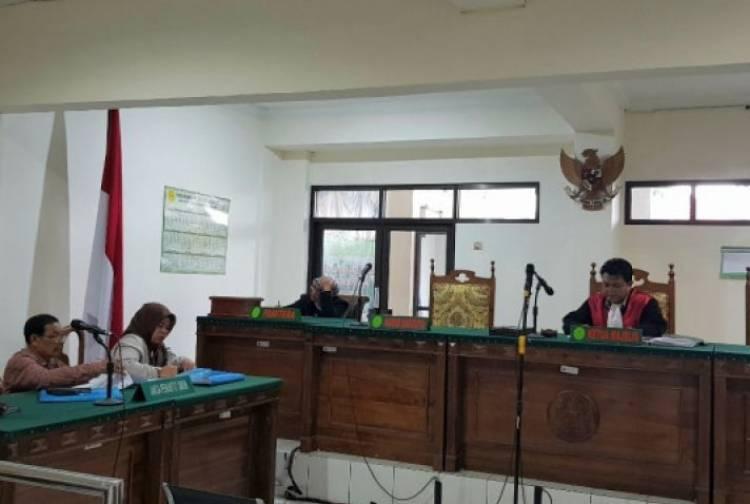 Meski KPK Tetapkan Tersangka, Hakim Lasito Masih Memimpin Sidang